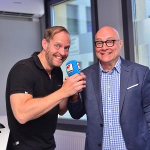 01_Staffelstabübergabe zwischen Koschwitz und Pollak (c) Ralf Lehmann